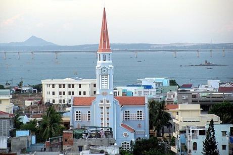1-1250783573-catholic-church-in-quy-nhon