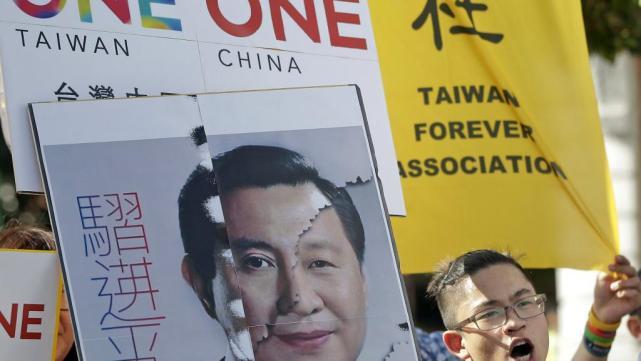 2015-11-06T072924Z_273490235_GF20000047930_RTRMADP_3_CHINA-TAIWAN-POLITICS