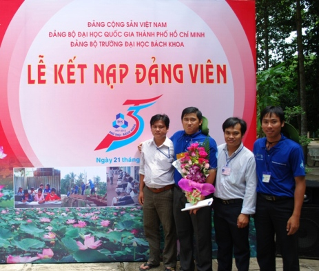 Volunteer_VietNam_HCMUT-20112012KetNamDangGoThap2012027