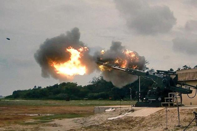 indian-army-receives-three-dhanush-howitzers