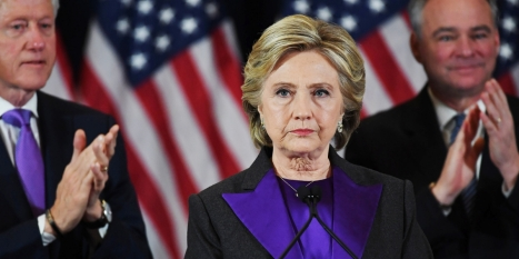 112315-news-hilary-clinton-voting-experts-tell-clinton-to-recount-votes-in-swing-states