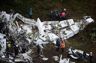 brazilian-plane-carshed-1