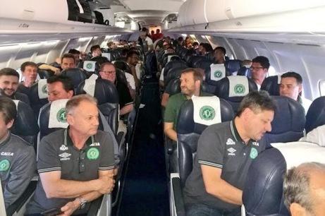 brazilian-plane-carshed-10