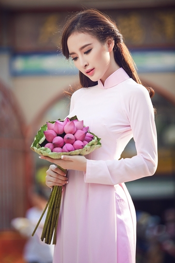 angela-phuong-trinh-1-jpg-4710-1389762483362x0