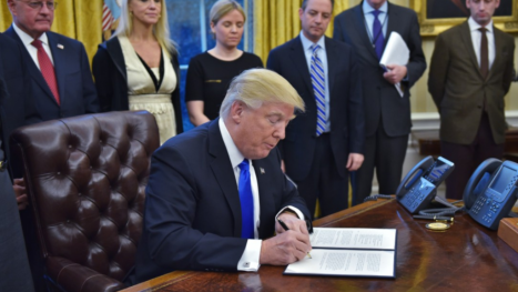 donald-trump-signing-papers-1024x578